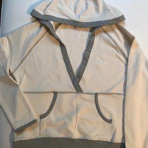 Tops - Off white hooded sweatshirt